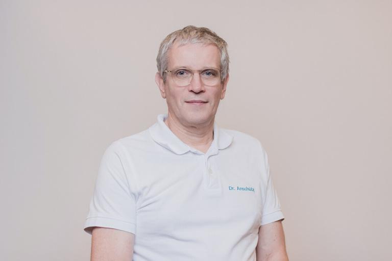 Internisten Groß-Gerau - Anschütz / Chenchanna - Team - Dr. med. Hans Anschütz